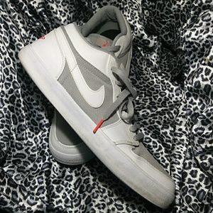 🏀 Nike Air Jordan 🏀 V2 Low Wolf Grey 552312-023